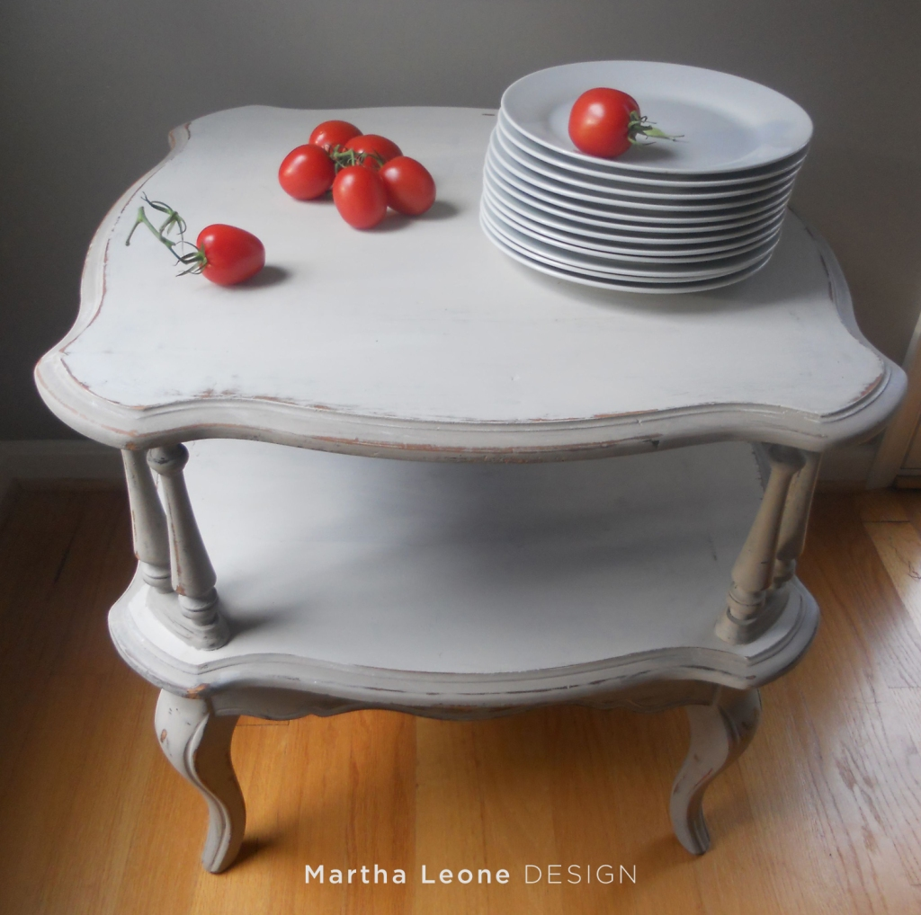french two-tiered table