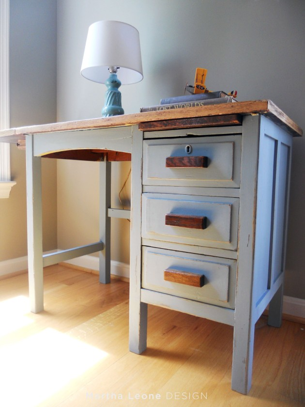 Raw Oak with Blue Desk