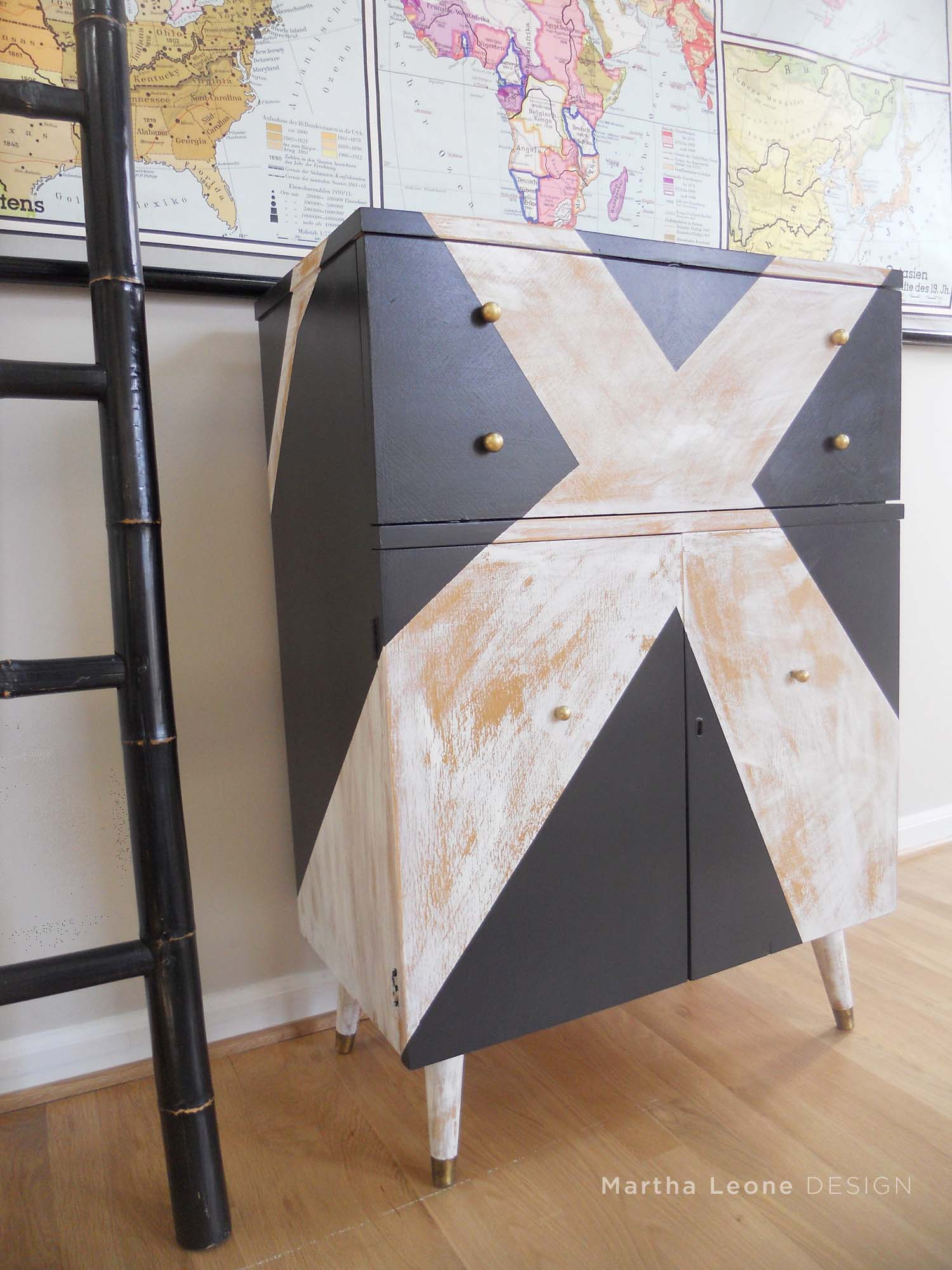 X Bar at www.MarthaLeoneDesign.com