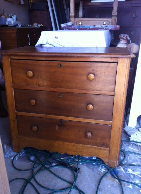 Petite Knapp Dresser